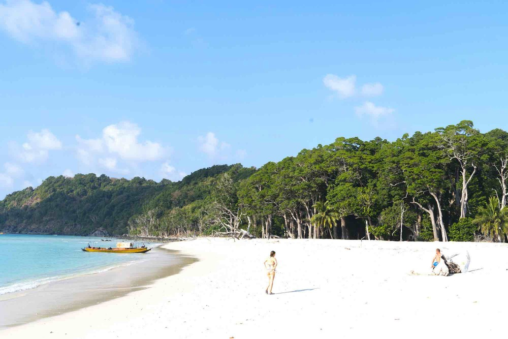 Andaman Islands_white sand green island yacht trip_XS.jpeg