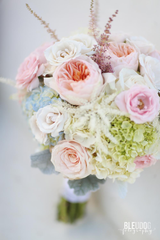 taylorweddingflowers1.jpg