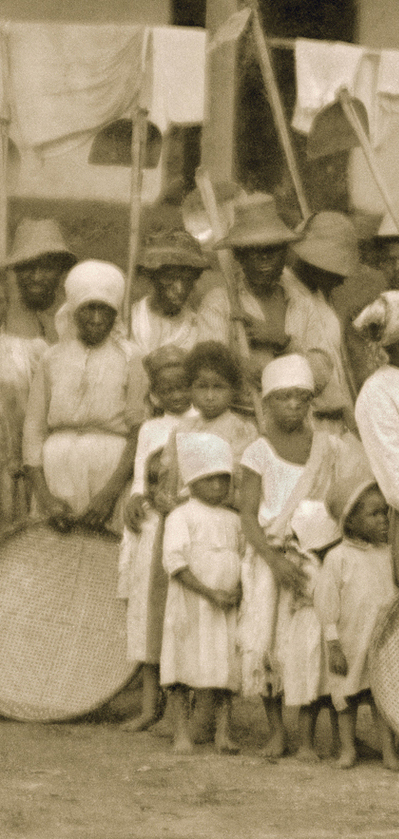 slavery-exhibit-3-triptic3.jpg