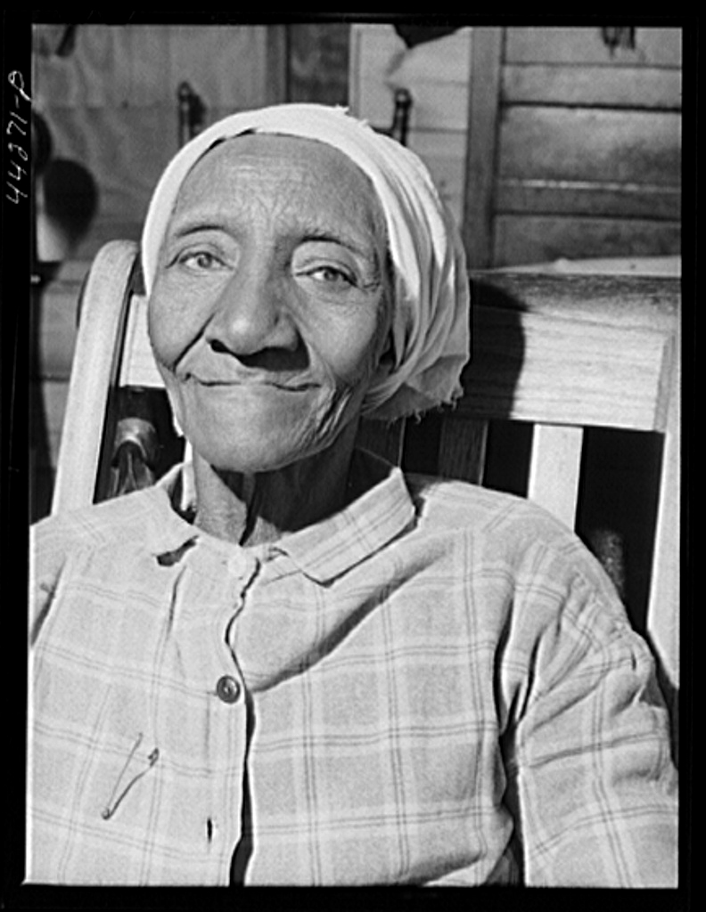 "Title: ""Grandma"" Lawrence, ex-slave on the Mercer Reynolds place in Greene County, Georgia 