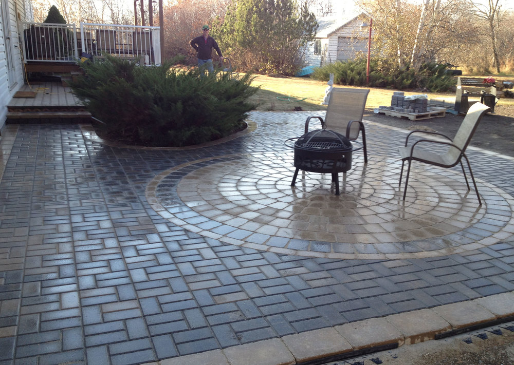 Smart_Look_Landscaping-patio-circle-chairs2.jpg