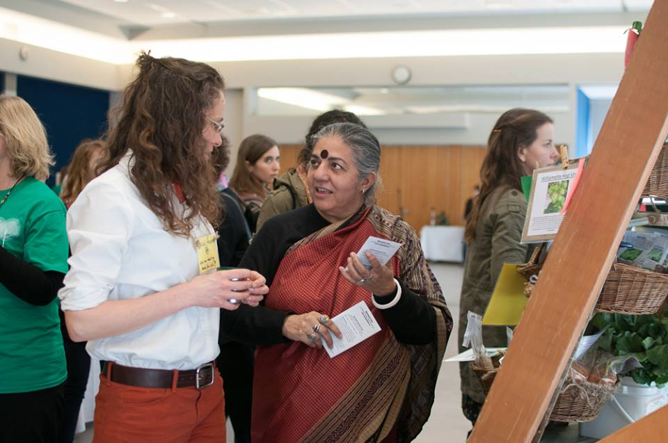 Dr. Vandana Shiva visits the community market at the University of Victoria. Photo by Hugo Wong.