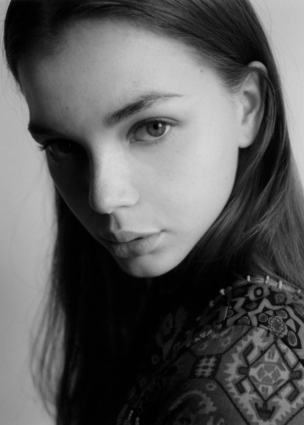 MODEL:  VIKTORIIA RADCHENKO    AGENCY: APM