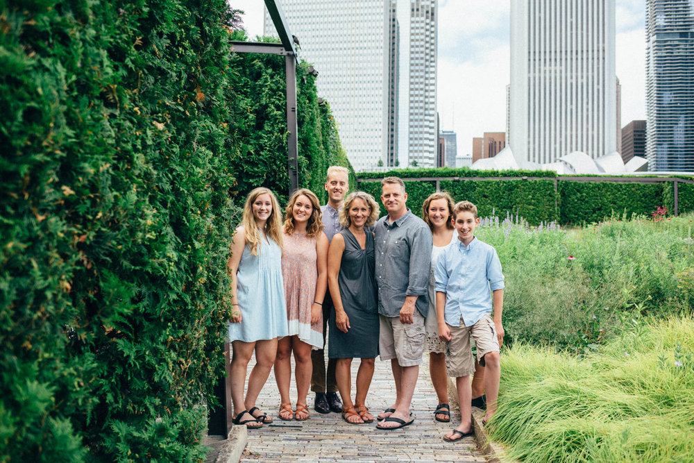 Family Session in Chicago's Lurie Garden