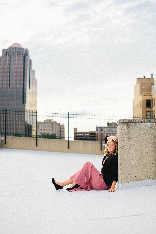 lifestyle-senior-portraits-dayton-brooklyn-chicago-28.jpg