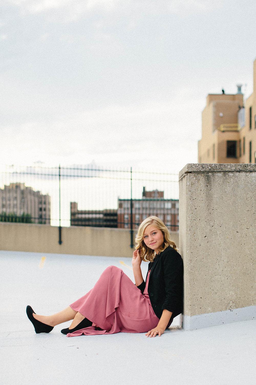 lifestyle-senior-portraits-dayton-brooklyn-chicago-30.jpg
