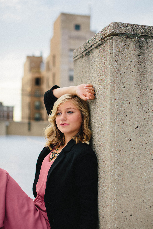 lifestyle-senior-portraits-dayton-brooklyn-chicago-29.jpg