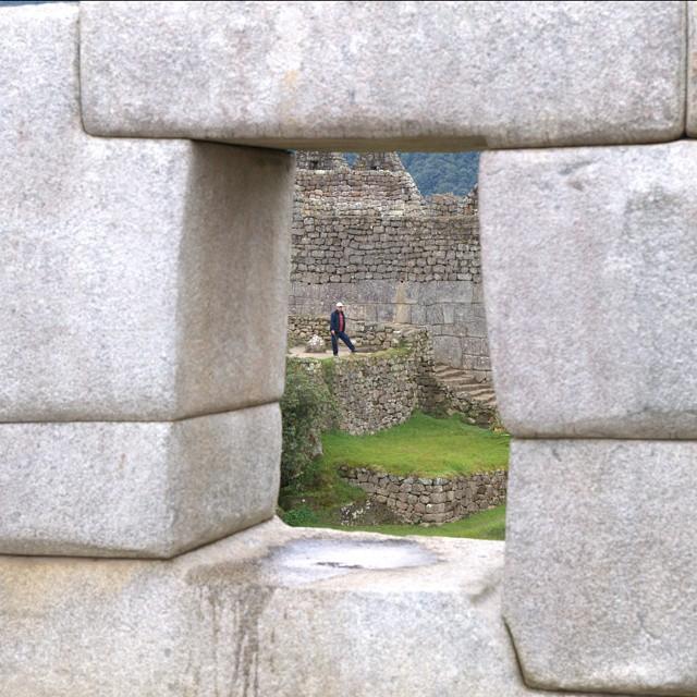 Spying on people in Machu Picchu. @afarmedia @ustoanyc @peru #traveltogether #traveldeeper #afarmedia #peru