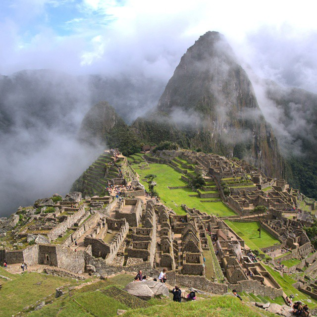 The clouds parted and ruins were revealed. @ustoanyc @afarmedia @peru #traveldeeper #traveltogether #peru #natgeotravel