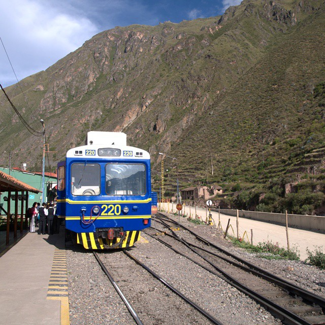 The train that takes you to Aguas Calientes, the starting point for Machu Picchu. @ustoanyc @afarmedia @peru #travel #traveltogether #peru