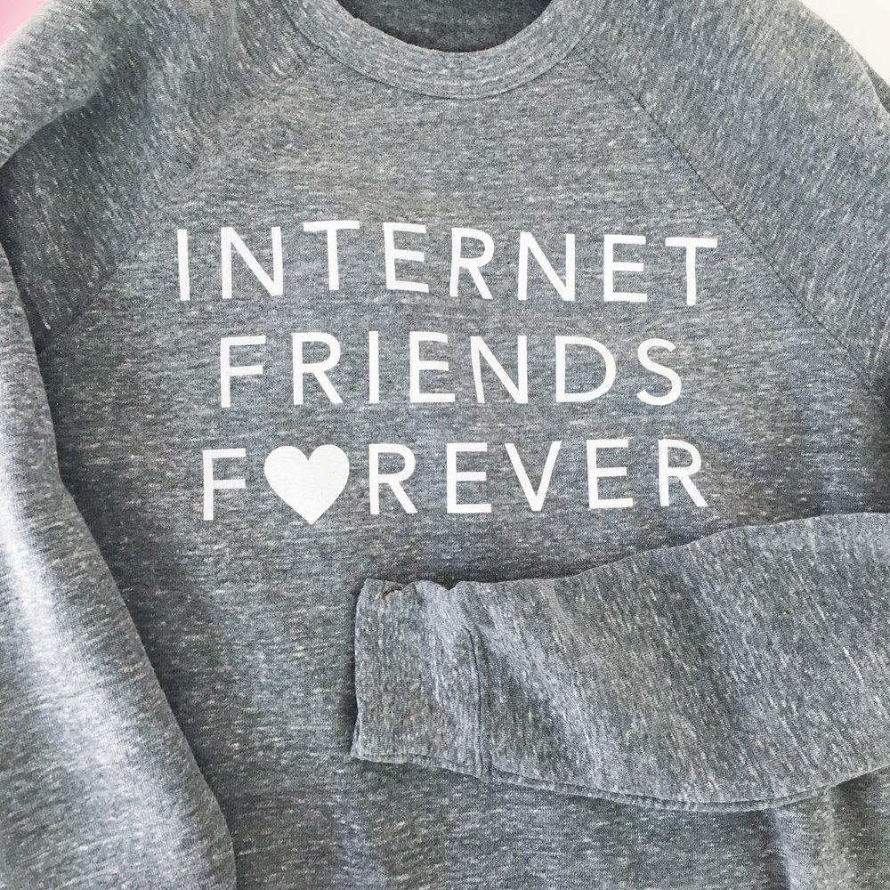 internet-friends-forever-crw
