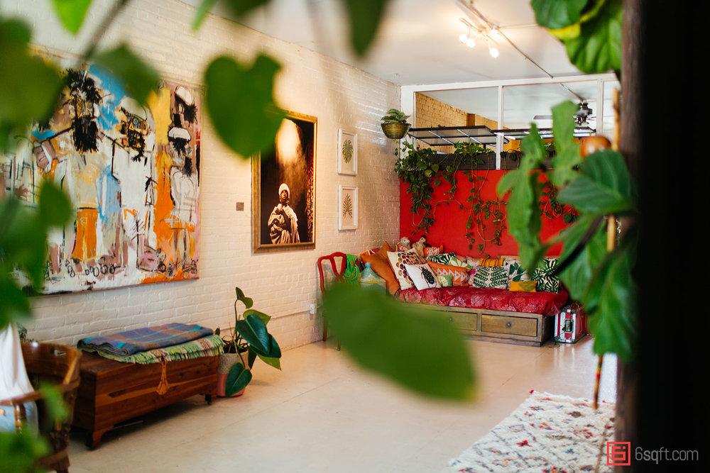 Summer-Rayne-Oakes-Plant-Filled-Apartment-in-Williamsburg-Brooklyn.jpg
