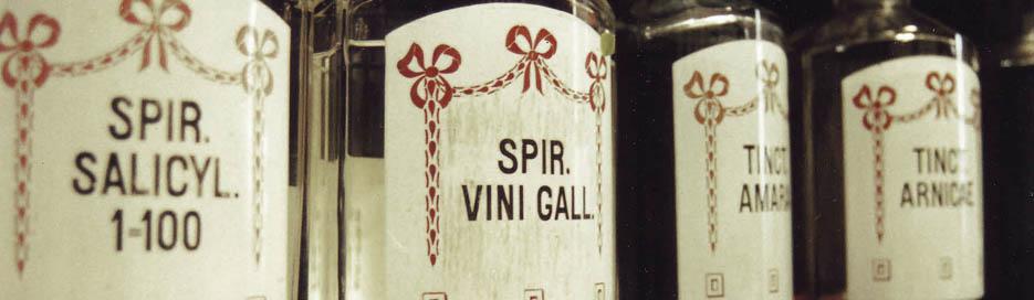 Flaschen-Etikett - Typo - Marien Apotheke