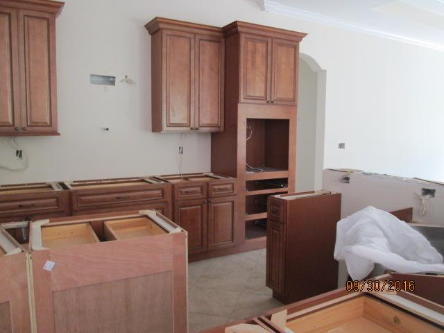 Auburn Custom Homes Palm Coast Kitchen Cabinets 5.JPG