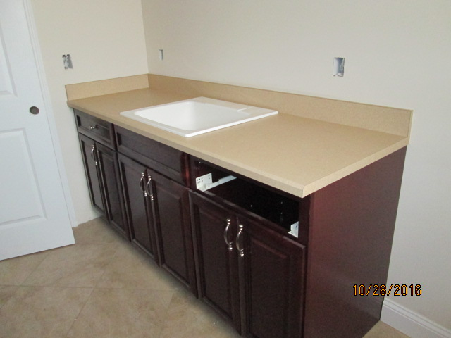 Auburn Custom Homes Palm Coast laundry Counter tops 2.JPG