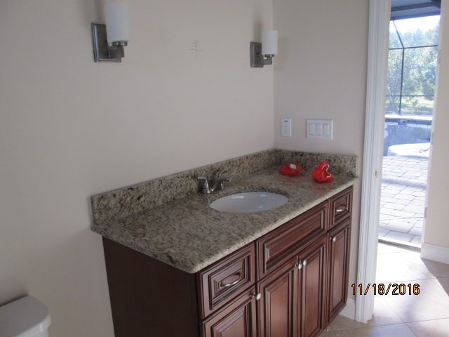 Auburn Custom Homes Palm Coast 2nd bath.JPG