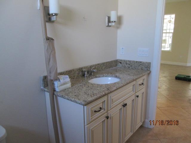 Auburn Custom Homes Palm Coast Spare bath.JPG