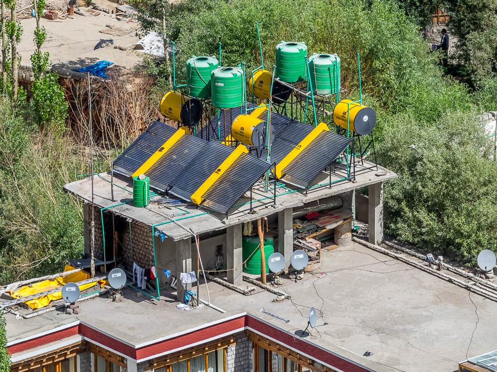 Foto: Solarwärmesystem in Leh (Ladakh/Indien)