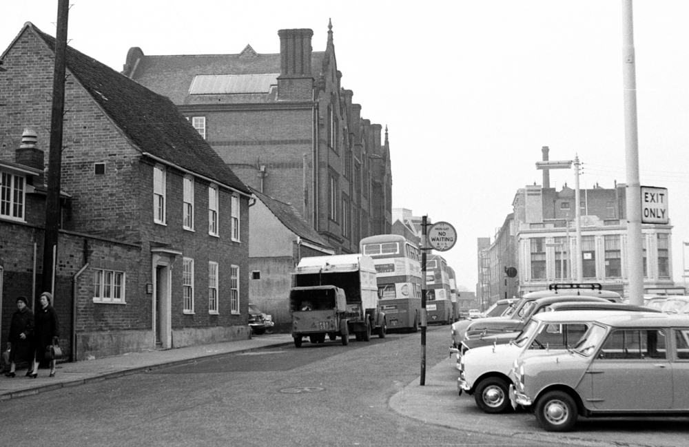 TOWER RAMPARTS IN THE MID 1960'S WITH TOWER RAMPARS SCHOOL ON THE LEFT.