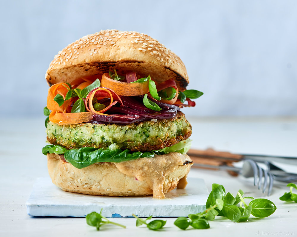 Cannellini bean & courgette burger with roasted cashew mayo, pickled beetroot & shaved carrot