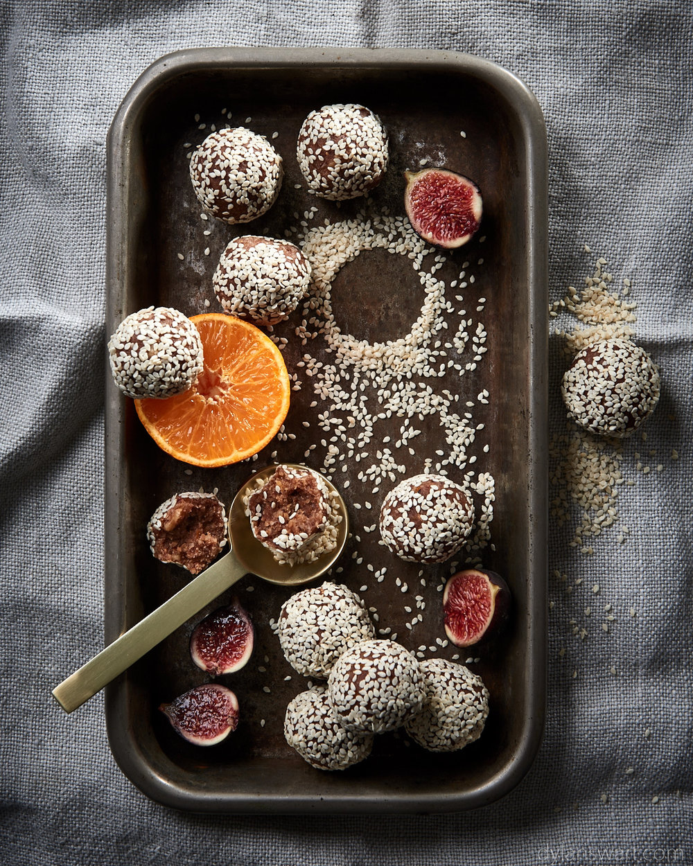 Fig, naartjie and sesame bliss balls