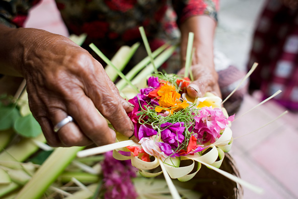 Bali Documentary Photographs: Balinese Prayer Offerings