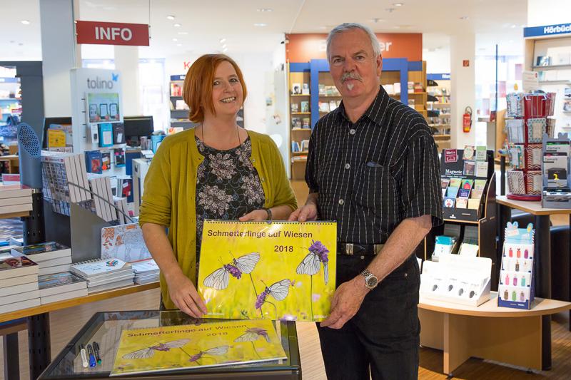 Der Fotograf Andreas Kolossa mit Frau Kolodzinsky in der Buchhandlung Langen