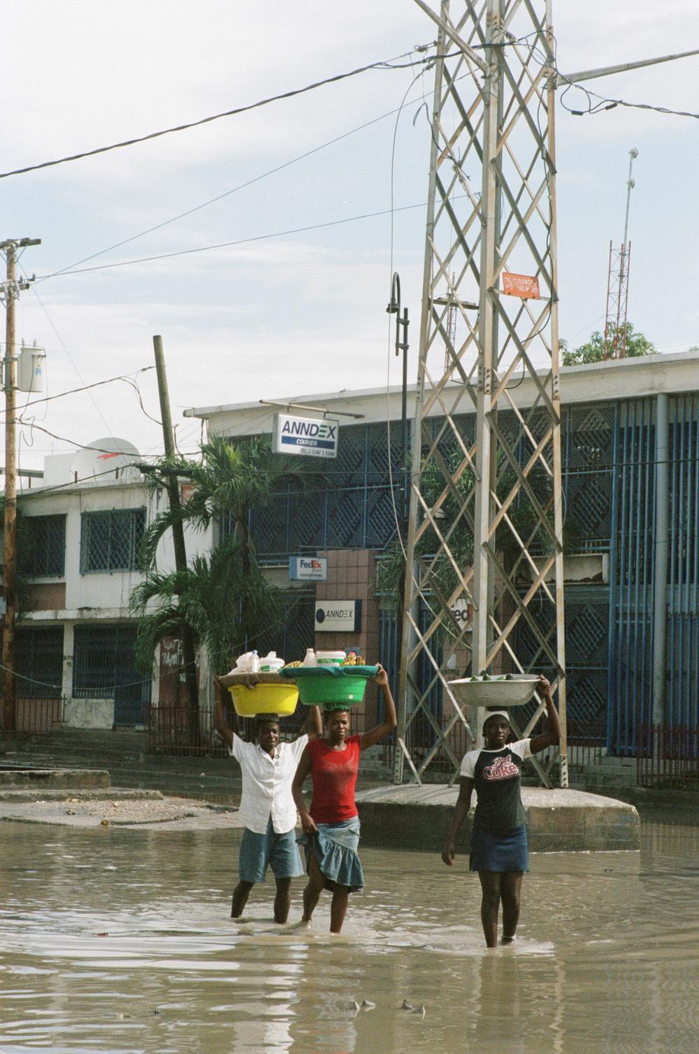 haiti018-759805030003.jpg