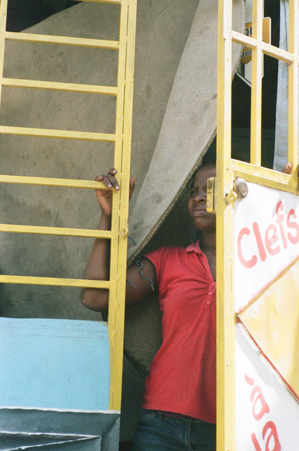 haiti022-759805030011.jpg