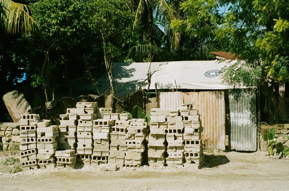 haiti088-759806020010.jpg