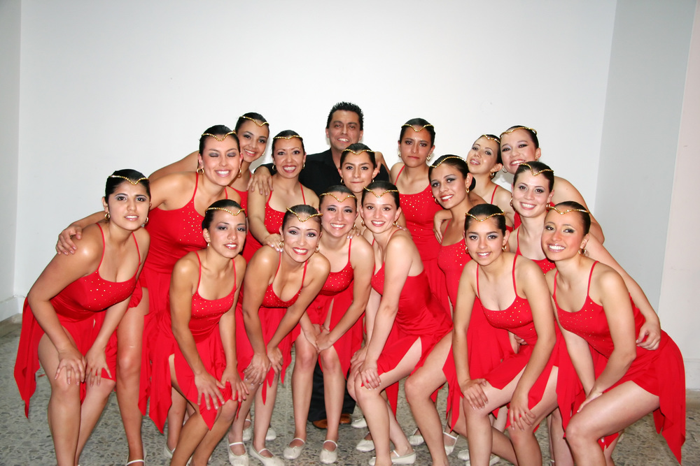 2006 Elite Jazz & Pom Team.jpg