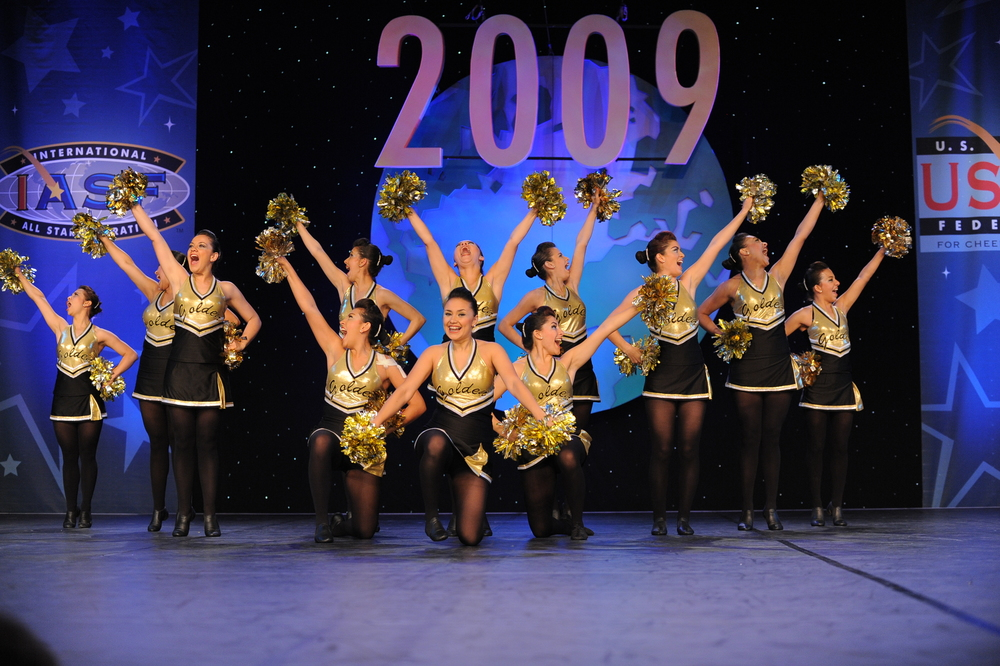2009 Elite Jazz & Pom Team.jpg