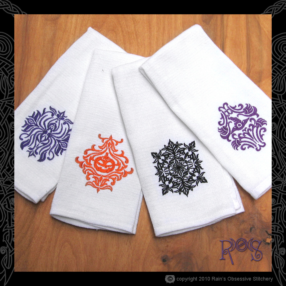 towel-set-damask-halloween.jpg