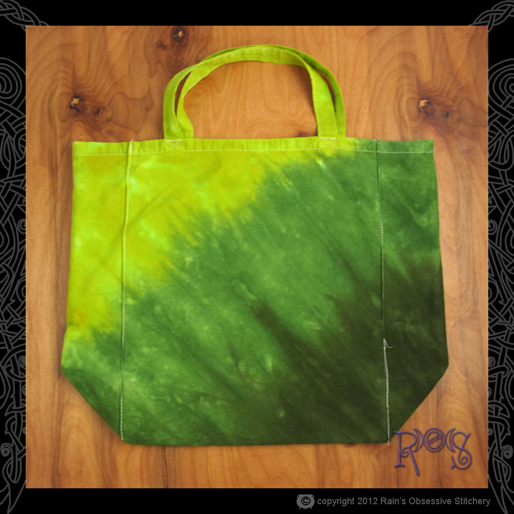 tote-earth-green-diagonal-1.JPG
