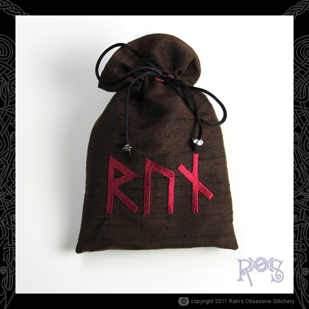 tarot-bag-brown-runes-RUN.jpg