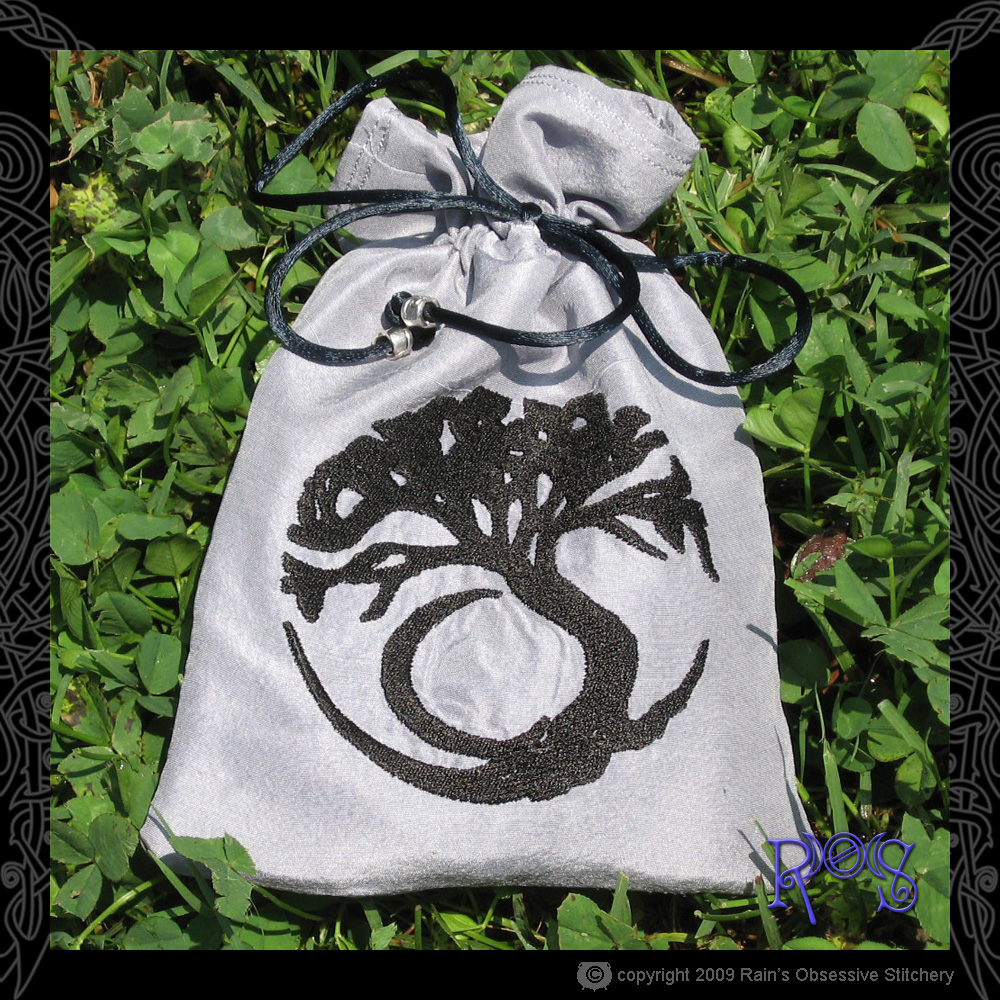 tarot-bag-gray-moon-tree.jpg