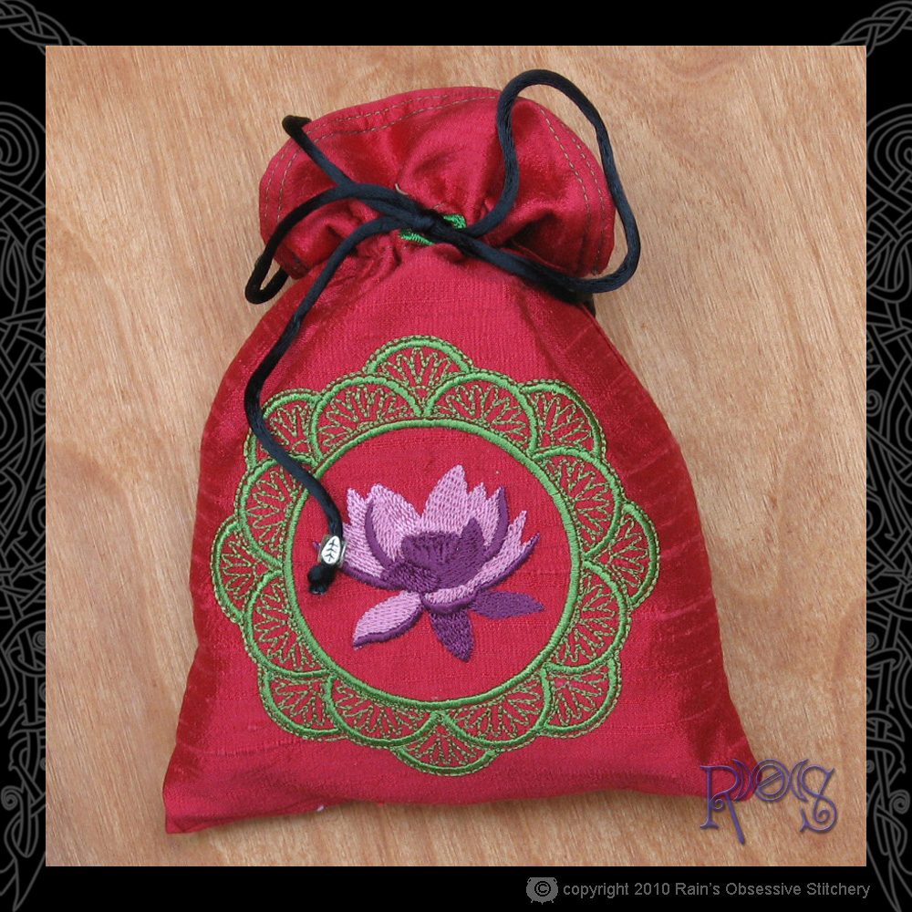 tarot-bag-strawberry-lotus-mandala.jpg