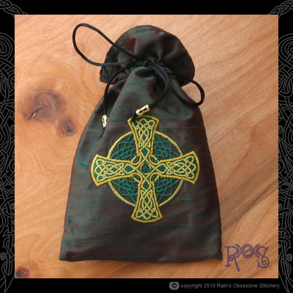 tarot-bag-lg-red-green-celtic-cross.jpg