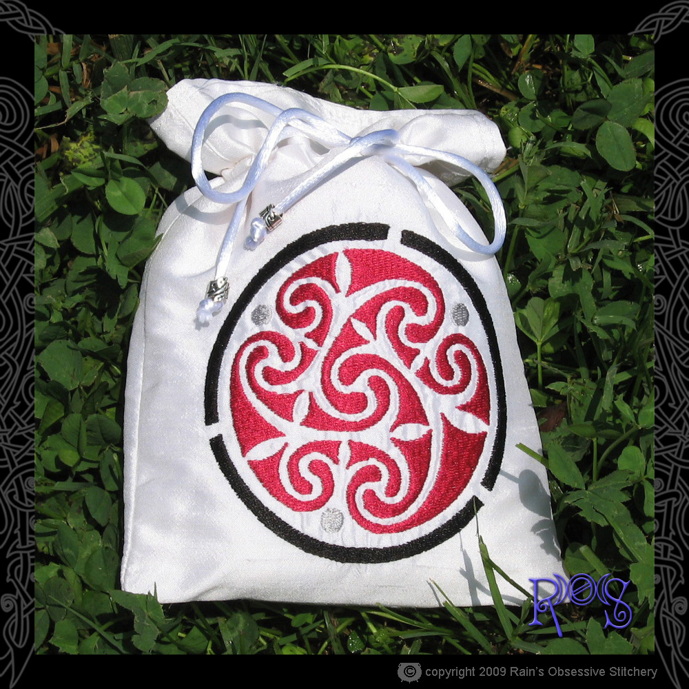 tarot-bag-white-celt-spiral.jpg