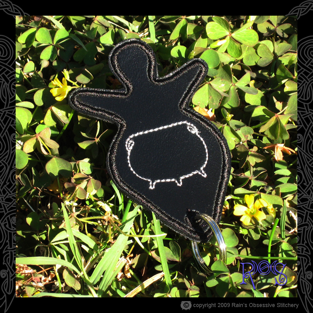 keychain-goddess-black-cauldron.jpg