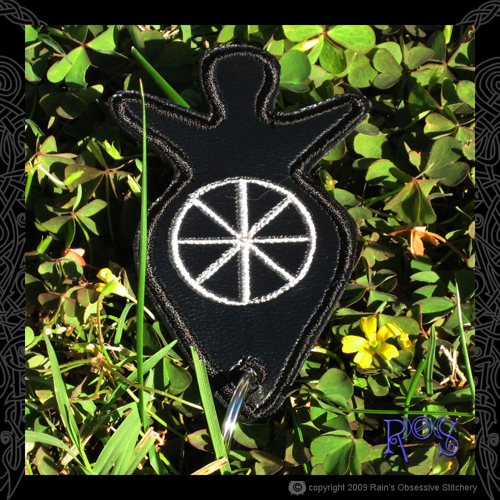 keychain-goddess-black-wheel.jpg