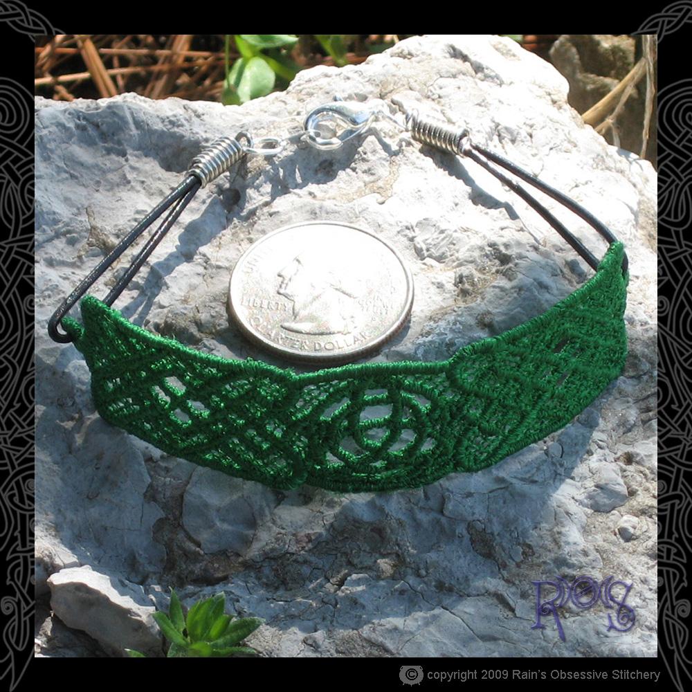 bracelet-triquetra-perspect.jpg