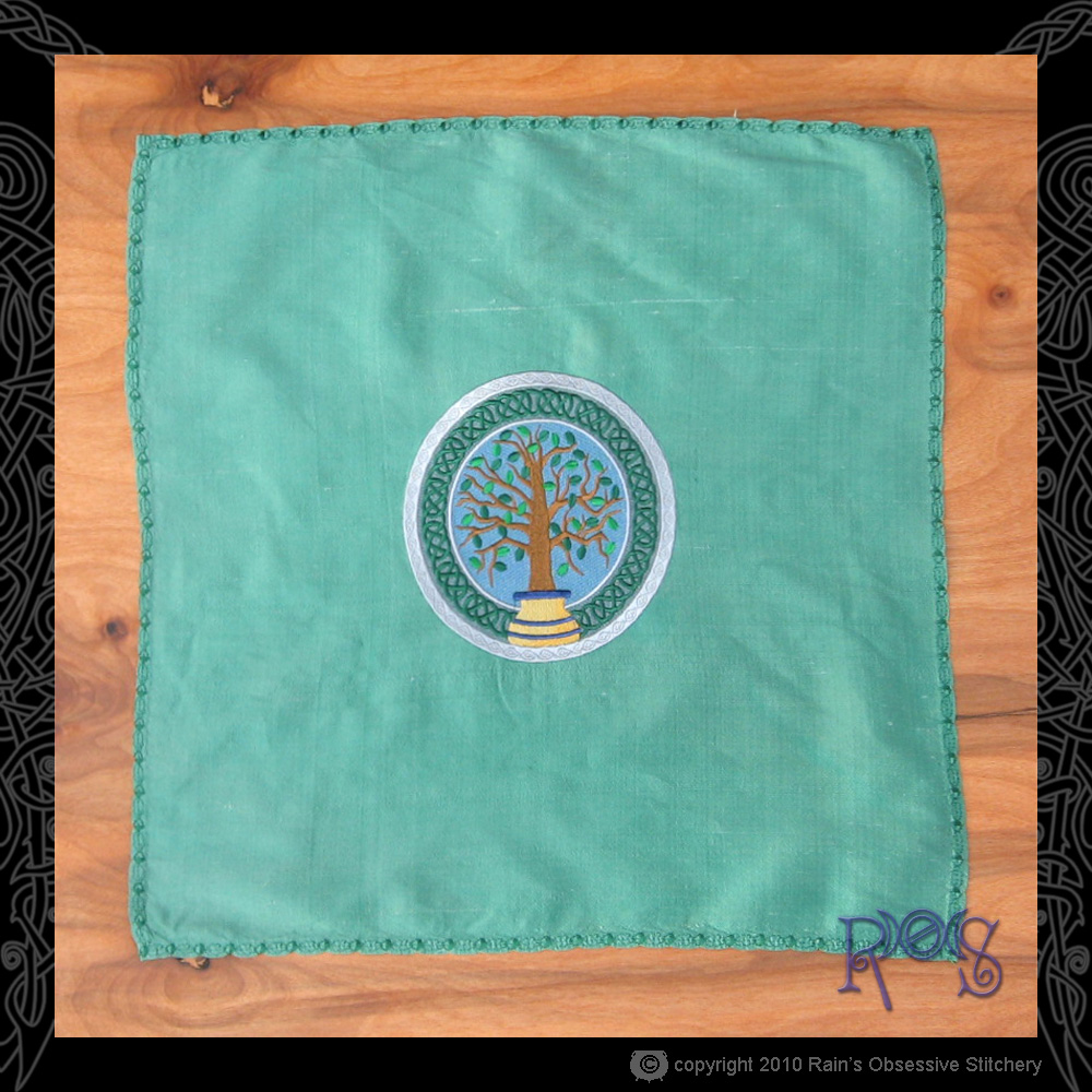 altar-cloth-green-celtic-potted-tree.jpg