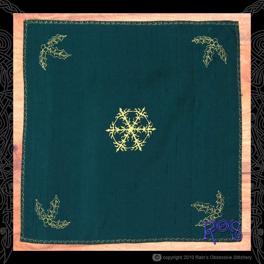 altar-cloth-yule.jpg