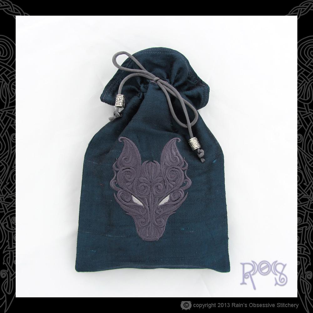 Tarot-Bag-Lg-Dk-Blue-BP-wolf.JPG