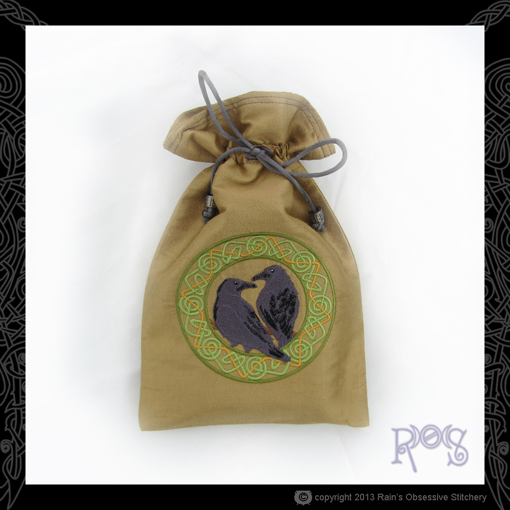 Tarot-Bag-Lg-tan-Hugin-&-Munin.JPG