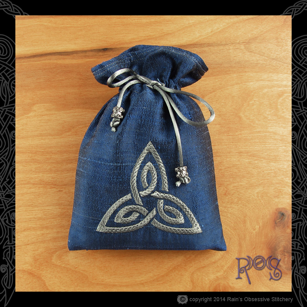 Tarot-Bag-Blue-Knotwork-Steel.JPG