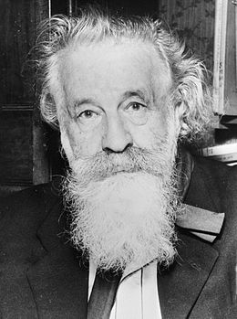 Gaston Bachelard (1884-1962) (source: https://fr.wikipedia.org/wiki/Gaston_Bachelard)