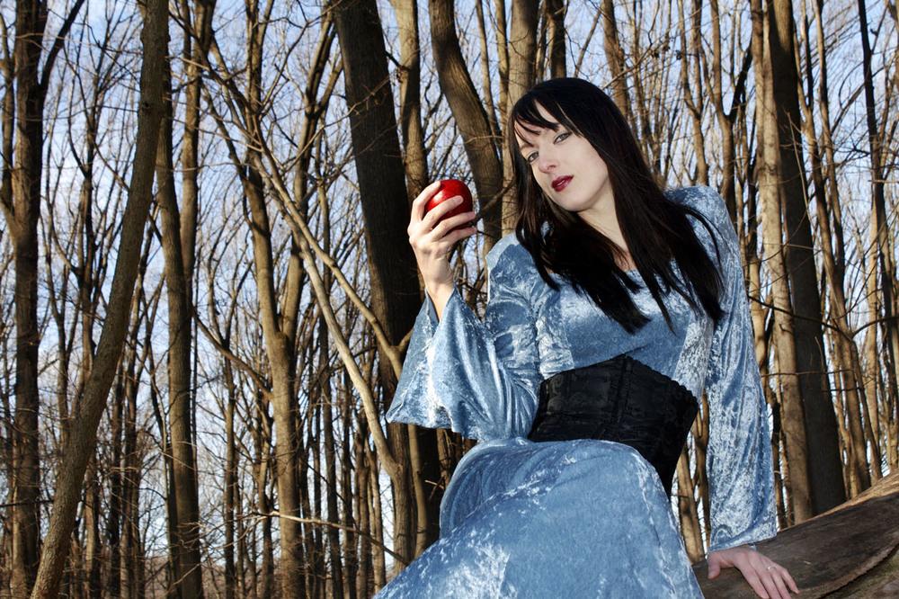 Model: Kellie Siwik  