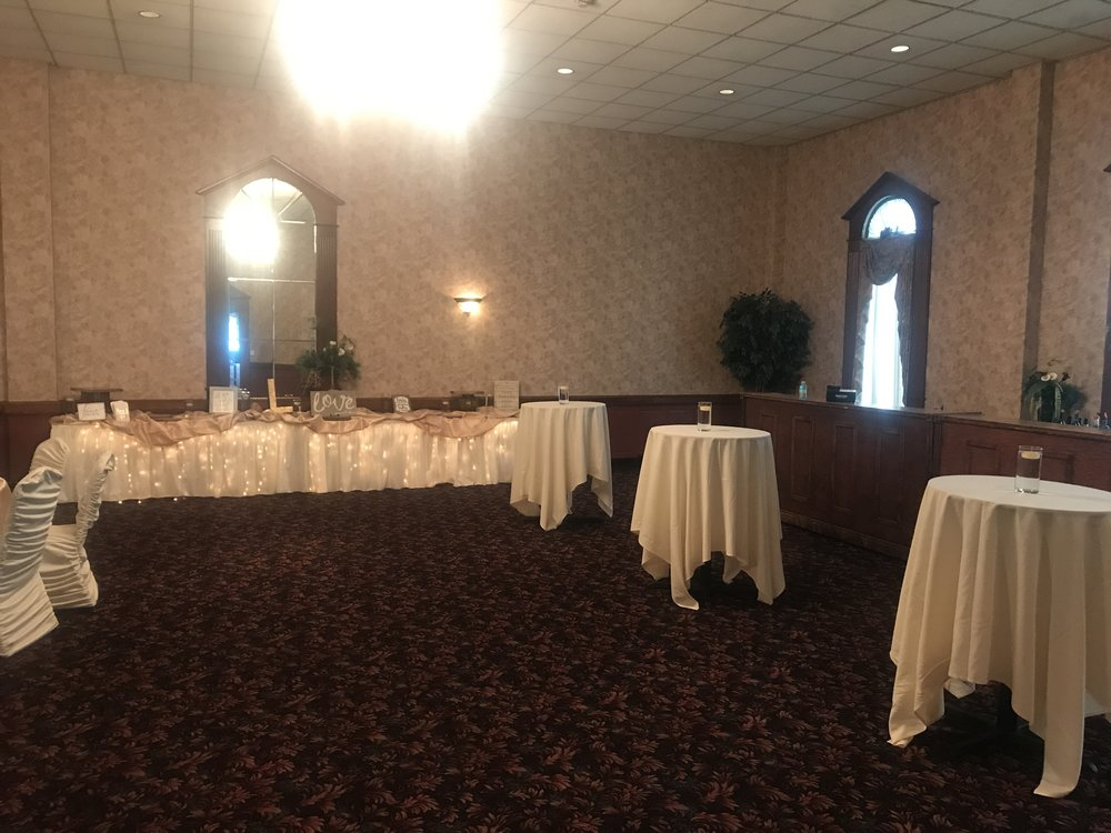 Head Table at Our Reception Hall